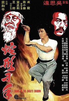 Director: Yuen Woo-Ping   Reparto: Jackie Chan, Yuen Hsiao-Tien, Hwang Jang-lee   Género: Acción   Sinopsis: Un anciano profesor de artes marciales conserva la tradición de la lucha de la cobra, y consigue formar un discípulo que además, observando la lucha entre una cobra y un gato, incorporará el estilo garra de gato. (FILMAFFINITY)