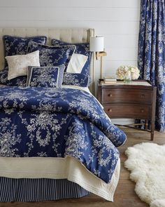 Looking for toile bedding? Add elegance and sophistication to any bedroom in your home with French-inspired toile bedding. Country Bedding Sets, French Country Bedding, Country Bedrooms, Country French, French Bedrooms, White Bedrooms, Master Bedrooms, Country Style, Luxury Comforter Sets