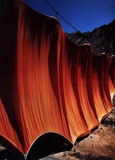 "Curtains"" dans la vallée du Colorado by Christo"