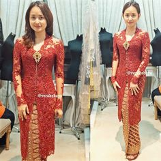 "2,199 Likes, 42 Comments - Vera Anggraini (@verakebaya) on Instagram: ""Fitting...tampak depan  #kebaya #verakebaya ...❤️ thanks mba @rikha_indriaswari """