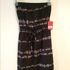 Women's small strapless dress brand-new Brand-new strapless short dress never worn with retail tags still attached Dresses Midi
