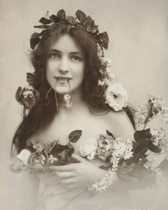 Evelyn Nesbit                                                       …
