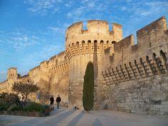 Et si vous découvriez Avignon avec Sabine et Benoit ? Ils vous accueillent sur www.myweekendforyou.com