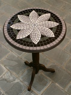 Shulamit - Art and Craft - Mosaic Art - Stained Glass Art - Home Decore Mosaic Tile Table, Mosaic Tile Art, Mosaic Artwork, Mosaic Glass, Mosaic Table Tops, Mosaics, Mosaic Art Projects, Mosaic Crafts, Stained Glass Projects