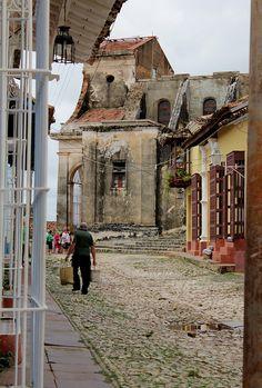 Vista de una calle de Trinidad, Cuba