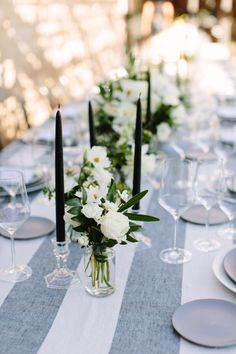 La Tavola Fine Linen Rental: Vintage Stripe Onyx | Photography: Megan Clouse, Floral Design: Poppystone Floral Design, Event Planning, Event Design : Harlin & Sparrow Events