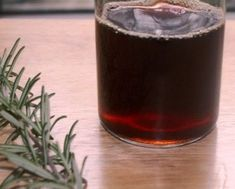 Rosemary Hair Rinse: Rosemary encourages hair growth by stimulating and improving circulation to the scalp and activating hair cells. It is traditionally Rosemary For Hair Growth, Herbs For Hair, Darken Hair Naturally, How To Darken Hair, Shampoo Natural, Natural Hair Loss Treatment, Hair Treatments, Diy Beauté, Hair Rinse