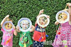 Paper Plate Crafts - Dream Catchers with Hearts - Red Ted Art - Make crafting with kids easy fun Paper Plate Crafts, Book Crafts, Paper Plates, Arts And Crafts, Easy Craft Projects, Easy Crafts, Craft Ideas, Dream Catcher Craft, Dream Catchers