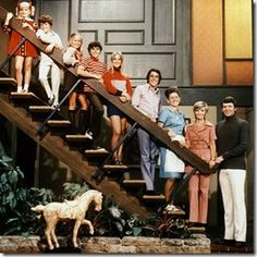 Net Image: The Brady Bunch Tv Show & Movie: Photo ID: . Picture of The Brady Bunch Movie - Latest The Brady Bunch Movie Photo. Beatles, The Brady Bunch, Batman, Step Kids, Old Shows, Vintage Tv, Thats The Way, Old Tv, Classic Tv