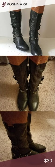 Sam Edelman Boot Sam Edelman boots in good condition. Small dent on metal but not very noticeable. Sam Edelman Shoes