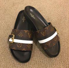 I Love My Shoes, Dream Shoes, Me Too Shoes, Sneakers Fashion Outfits, Fashion Sandals, Shoes Sandals, Louis Vuitton Luggage Set, Louis Vuitton Shoes, Jordan Shoes Girls