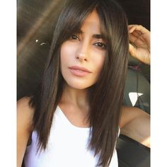 mid-length hair with bangs: Inspire yourself - Frisuren - Cheveux Medium Length Hair With Bangs, Long Hair With Bangs, Haircuts For Long Hair, Haircuts With Bangs, Medium Hair Cuts, Trendy Hairstyles, Medium Hair Styles, Curly Hair Styles, Haircut Bangs