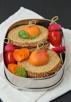 Gratinierter Aprikosen-Sandwich mit Ziegenkäse