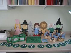 Wizard of Oz Party - Paper dolls, signs using Cricut Paper Dolls