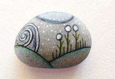 Siendo piedra pintada a mano trajeron el por QueenofArtsStudio