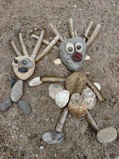 Rezultat iskanja slik za land art for kids Land Art, Beach Activities, Nature Activities, Kids Nature Crafts, Fun Crafts, Art Plage, Sand Sculptures, Sculpture Ideas, Sticks And Stones
