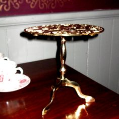 My obscession with antique kitchen pieces....used to hold a teapot near a coal fire. English turn of the century. Another obscure piece that made me smile all the way home and once again the dealer was clueless! Found for thirty four dollars should be priced at one hundred fifty dollars and Up