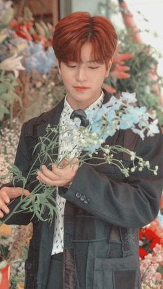Stray Kids Seungmin, Kids Icon, Losing A Child, Kids Wallpaper, Lee Know, Boyfriend Material, Pop Group, Baby Photos, Boy Bands