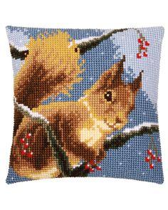 Cross Stitch Cushion, Pixel Art Templates, Cross Stitch Animals, Plastic Canvas Patterns, Craft Patterns, Cushion Covers, Needlepoint, Needlework, Christmas Crafts