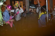Aitor disfrutando de su boda en el Palacio de la Misión Bucket Hat, Palaces, Dancing, Elegant, Girls, Pictures, Bob, Panama