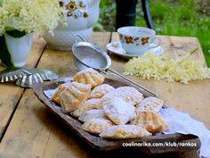 Volimo jako sapice:) Pravi starinski recept ,inace od moje bake i prenosim iz svescice na ove stranice kako ih je ona pravila :) Meni su najbolje,najlepse i najukusnije :) Kolaci I Torte, Camembert Cheese, Dairy, Baking, Food, Bakken, Essen, Meals, Backen