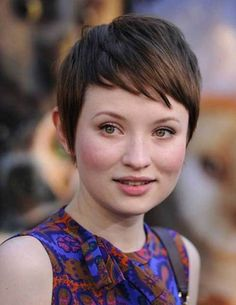 Women Hairstyles : Growing Out A Pixie Cut With Dark Brown Hair Color And Side Bangs For Short Straight Hair For Women With Round Face Growing Out a Pixie Cut for Perfect Look Growing Out A Pixie Cut Pictures. Growing Out Short Hair. Thin Hair Haircuts, Round Face Haircuts, Hairstyles For Round Faces, Pixie Hairstyles, Straight Hairstyles, Quick Hairstyles, Short Straight Haircut, Short Thin Hair, Short Brown Hair
