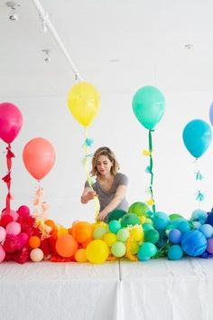 Rainbow Balloon Baby Shower - Cute and colorful. Rainbow Balloon Baby Shower - cute and colorful. Balloon Garland, Balloon Decorations, Balloon Ideas, Halloween Decorations, Shower Party, Baby Shower Parties, Party Deco, Rainbow Birthday Party, Rainbow Parties
