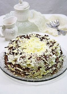 You will find here various recipes mainly traditional Romanian and Mediterranean, but also from all around the world. Chocolate Garnishes, Chocolate Cheese, Chocolate Cream, Vanilla Whipped Cream, Mascarpone Cheese, Cream Cream, Let Them Eat Cake, Sweet, Ethnic Recipes