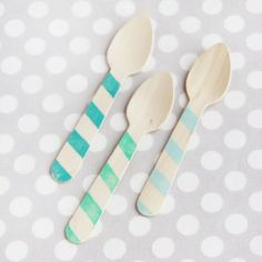 Striped wooden spoons // this website has reasonable party accessories and decor!