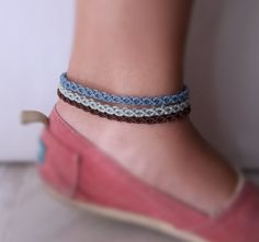 Anklet macrame bracelet with simple design in blue turquoise or brown Jewelry Crafts, Handmade Jewelry, Unique Jewelry, Diy Friendship Bracelets Patterns, Crafts For Girls, Macrame Bracelets, Anklets, Simple Designs, Gifts For Her