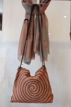 @henrybeguelin   NOVITA'!!!  #bag #borsa #donna #moda #beguelin #fashion #LeABoutique #Milano
