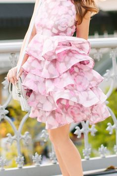 The tiers and layers are just exquisite Passion For Fashion, Love Fashion, Style Fashion, Fashion Tips, Preppy Dresses, Spring Fashion Trends, Glamour, Spring Collection, Pretty Outfits