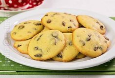 Cheap&easy made raisin cookies Raisin Cookies, Cake Cookies, No Cook Desserts, Dessert Recipes, Romanian Food, Sweet Cakes, Something Sweet, Food To Make, Deserts