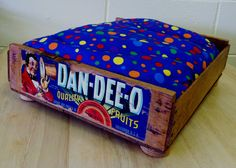 Pet Bed Upcycled from a Fruit Crate DanDeeO by UpcycledStuff, $52.00