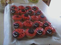 Smiling strawberry ladybug cupcakes with peppermint patties, plus recipe link Ladybug Cupcakes, Snowman Cupcakes, Ladybug Party, Strawberry Cupcakes, Kitty Cupcakes, Giant Cupcakes, Cupcake In A Cup, Cupcake Party, Cupcake Cakes