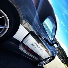 Revive lo mejor del Porsche Sport Driving School en los boards de Porsche de México. ¡Es hora de llevar los autos al límite!