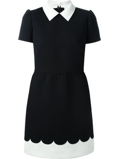 Compre Red Valentino Vestido com detalhe recortado em Twist'n'Scout from the world's best independent boutiques at farfetch.com. Shop 300 boutiques at one address.