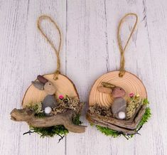 60 Easter Holiday Home Decorations Easter Crafts Ideas Rock Crafts, Diy Crafts To Sell, Diy Crafts For Kids, Wood Slice Crafts, Coaster Crafts, Easter Projects, Easter Holidays, Diy Christmas Ornaments, Pebble Art