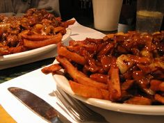 Worth a visit: Maamm Bolduc in the Plateau section of Montreal, QC. If eating this divine poutine is wrong, I don't want to be right. Gourmet Cooking, Gourmet Recipes, Montreal Qc, Canada, Poutine, Chicken Wings, Appetizers, Messages, Snacks