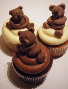 Awesome Brown Bear Cupcakes; easier with Girl Scout Peanut Butter Chocolate Bears instead!!