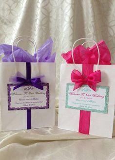 Super diy wedding souvenirs welcome bags ideas Wedding Hotel Bags, Wedding Gift Bags, Wedding Gifts For Guests, Wedding Welcome Bags, Diy Wedding, Wedding Favors, Wedding Souvenir, Wedding Reception, Wedding Labels