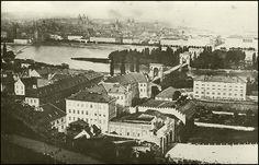 praha Újezdská brána - Szukaj w Google Prague, Budapest, Paris Skyline, Painting, Travel, Google, Bohemia, History, Pictures