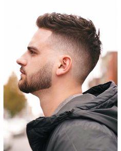 Mens Hairstyles Fade, Cool Mens Haircuts, Cool Hairstyles For Men, Undercut Hairstyles, Popular Haircuts, Undercut Fade, Short Hair Hairstyle Men, Disconnected Undercut Men, Medium Hairstyles