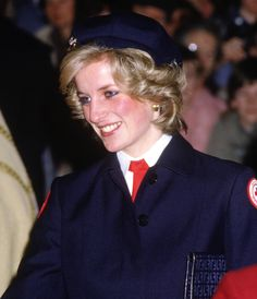 Pin for Later: We're Tipping Our Hats to Princess Diana's Timeless Toppers Chic and Chivalric Diana, Princess of Wales, donned a British Red Cross uniform while visiting the Red Cross Carol Service in Bristol, England, in December Princess Diana Pictures, Princess Diana Family, Princess Of Wales, Lady Diana Spencer, Prinz William, Diana Fashion, Fashion Idol, Style Fashion, Isabel Ii