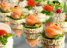 Sandwich Original, New Year's Food, Party Finger Foods, Tasty, Yummy Food, Russian Recipes, Canapes, High Tea, Kids Meals