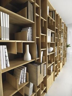 Wall-mounted wooden bookcase ESPACE By Domus Arte design Enrico Bedin Library Shelves, Bookshelf Design, Bookcase Shelves, Shelving, Library Wall, Bookcases, Built In Furniture, Cabinet Furniture, Furniture Design