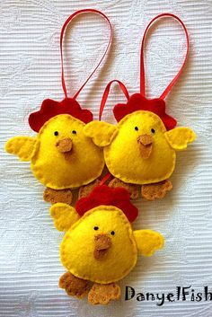Back to school sale----Chicken Felt Ornaments with loop, home decor---Set of 3 pieces--easter decorations, felt ornaments, felt animals Felt Crafts, Easter Crafts, Crafts For Kids, Xmas Ornaments, Hanging Ornaments, Watermelon Decor, Chicken Crafts, Easter Garland, Easter Sale