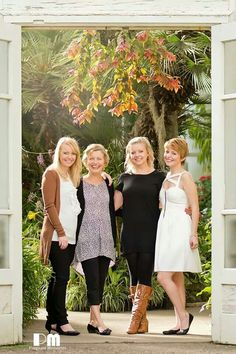 daughters. Mother with her 3 adult daughters Photography by Rikki-Lee Wrightson of pregnant memories.