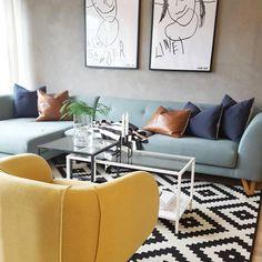 "21 mentions J'aime, 2 commentaires - Sofacompany BE (@sofacompanybe) sur Instagram : ""Fijne kleurencombi met geweldige ""graphics"" @linebjergap⠀ ⠀ #sofa #eddie #pillow #nova…"""