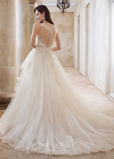 Sophia Tolli is a designer wedding dress line that features incredibly romantic wedding dresses from charming A-line silhouettes to classic high necklines. Sophia Tolli wedding dresses will make your wedding day feel even more magical. Mon Cheri Wedding Dresses, Rustic Wedding Dresses, Modest Wedding Dresses, Bridal Dresses, Wedding Gowns, Ceremony Dresses, Gorgeous Wedding Dress, Beautiful Dresses, Beautiful Bride